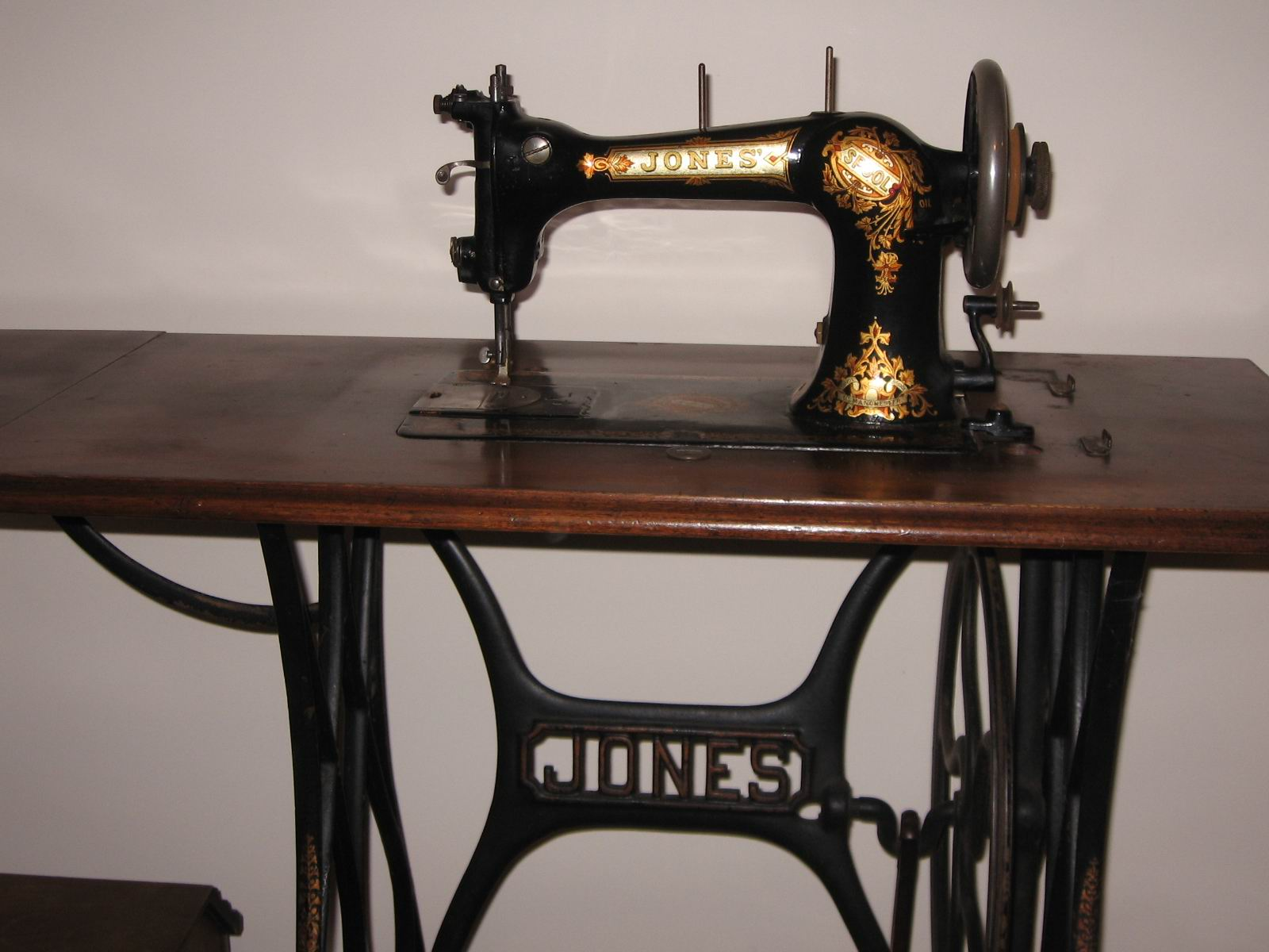 Deb's sewing machine.jpg